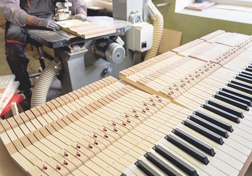 Handwerkliches Geschick ist bei beiden Ausbildungen gefragt Bild: Krasser/ Stock.Adobe.com