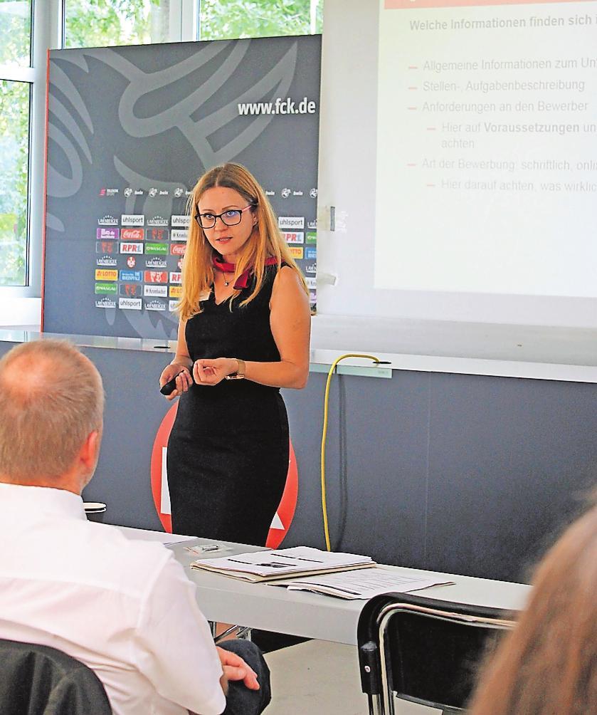 Hatte 2018 wissenswerte Tipps für Schulabgänger und Eltern dabei: Berufsberaterin Anna Künne. FOTO: MONIKA KLEIN