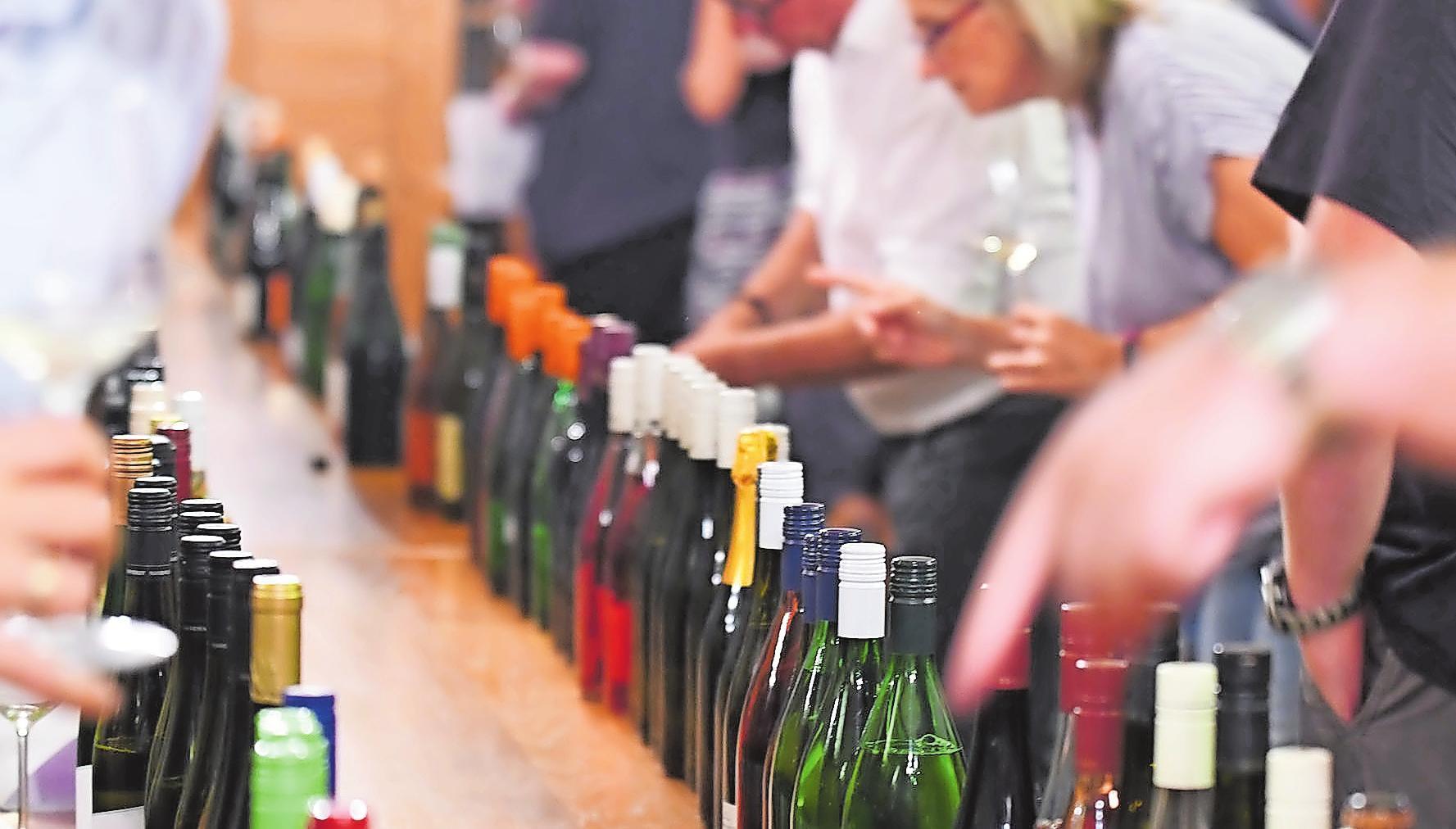 Die Wurstmarktweine werden vorab mehrfach verkostet und geprüft. FOTO: FRANCK