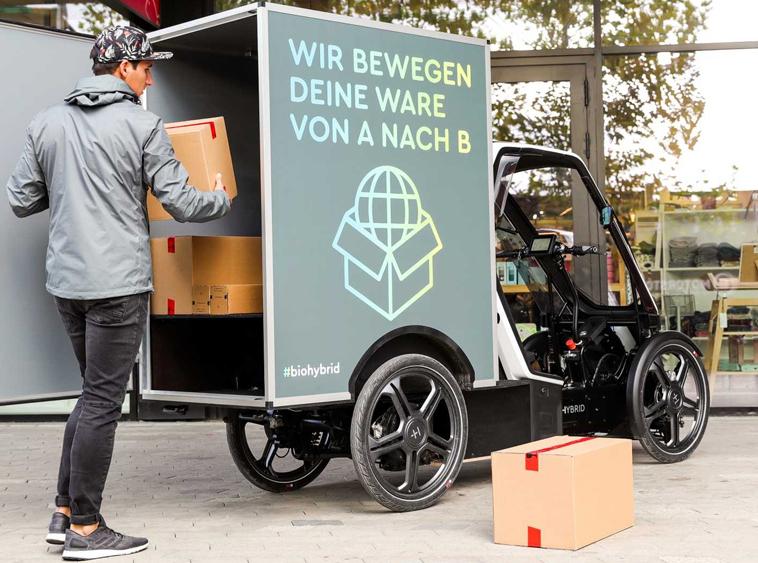 Am Stau vorbei: Lösungen für Paket- und Kurierdienste bietet Bio-Hybrid.