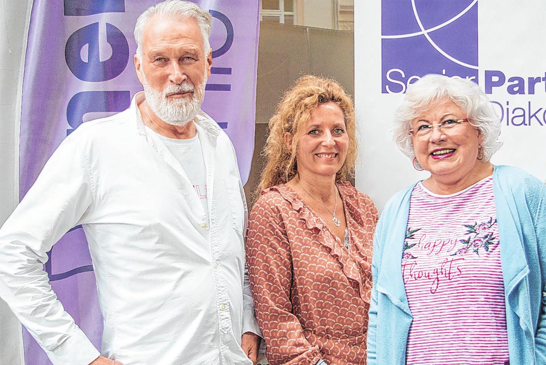 Marion Rink (M.) mit Brigitte Gaedike und Arne Carstens Foto: Umsorgt wohnen