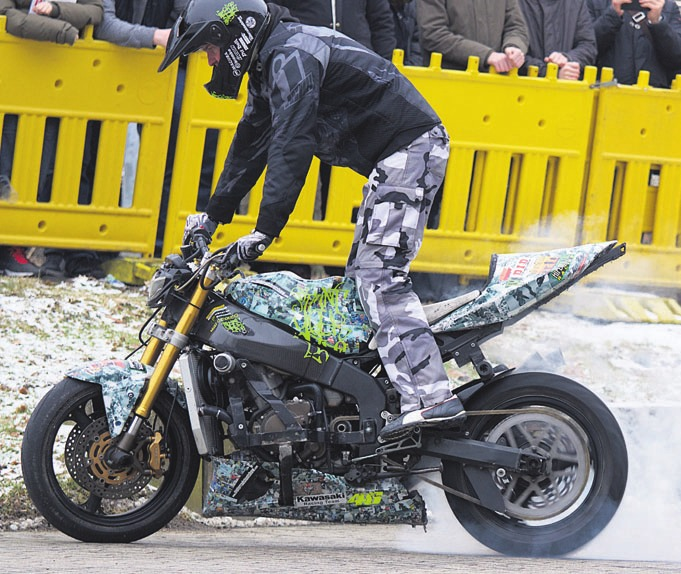 Stuntshow von Axel Winterhaff. Fotos (3): Veranstalter