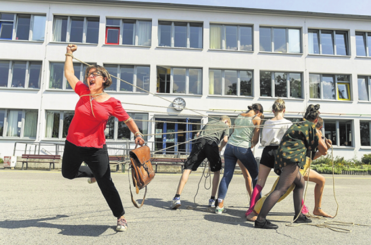 """Regisseur Tobias Rausch thematisiert in """"Lehr_Kraft_Probe"""" Herausforderungen des heutigen Schulalltags."""