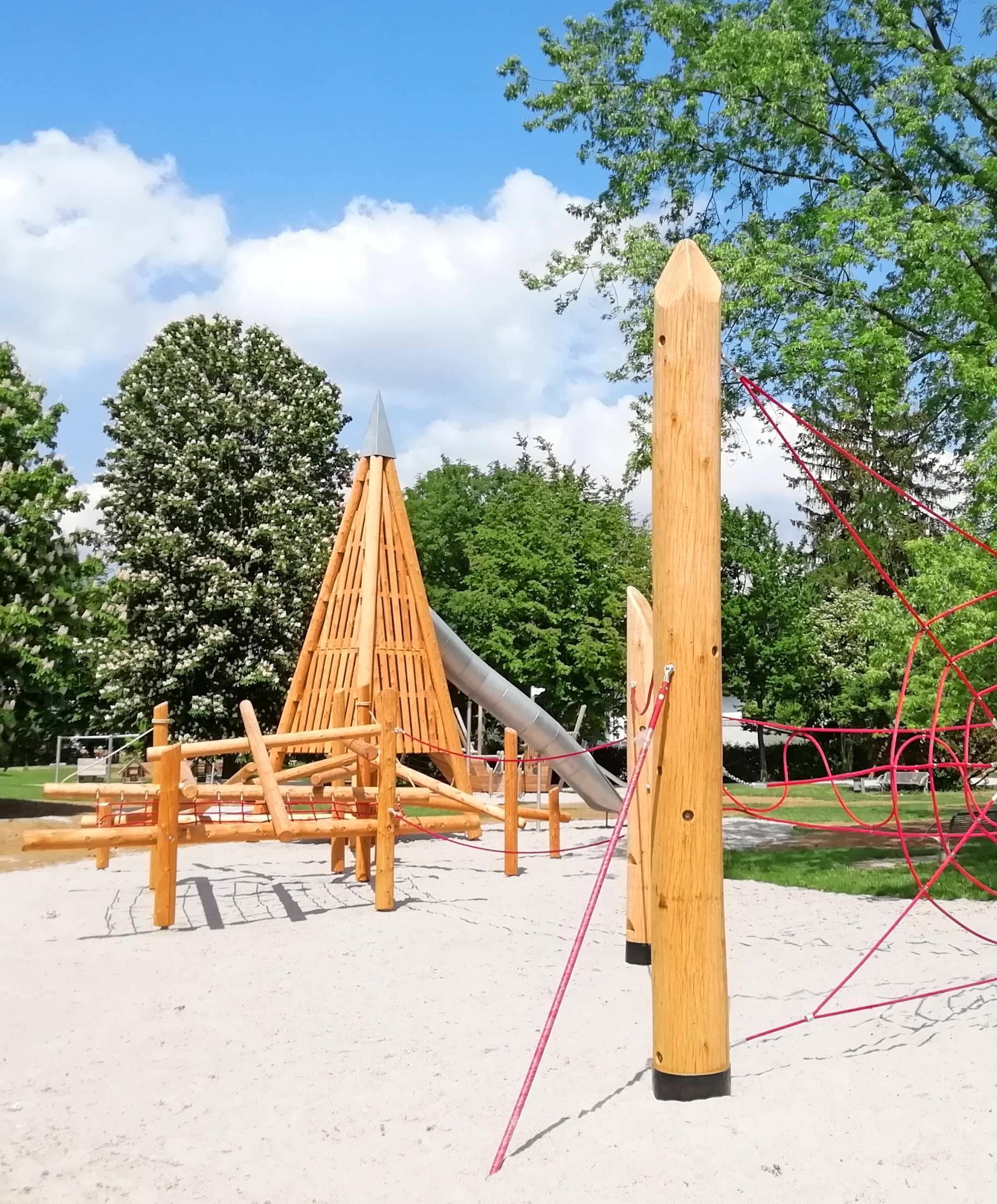 Der neue Ü 6-Spielplatz im Stadtpark lädt zum Klettern ein. Foto: Bauhof