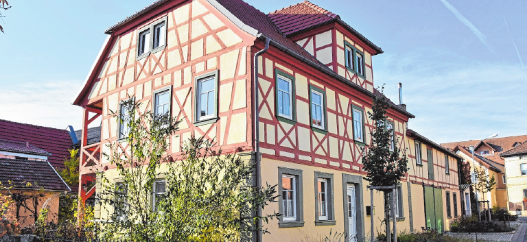 Im Ort gibt es noch schöne Fachwerkhäuser. FOTO: U. LANGER