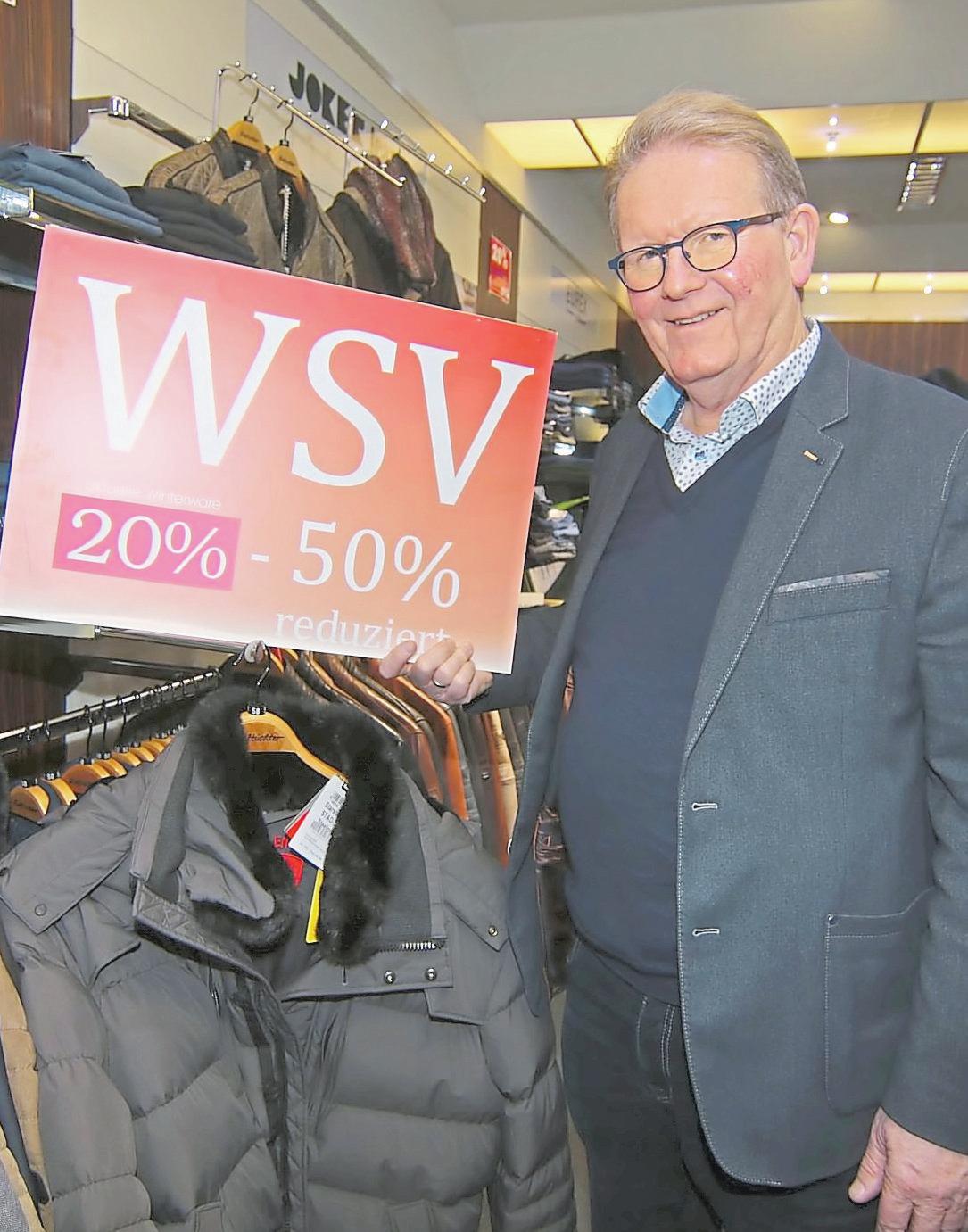 Bernd-Uwe Lieftüchter hat die Winterware rabattiert.