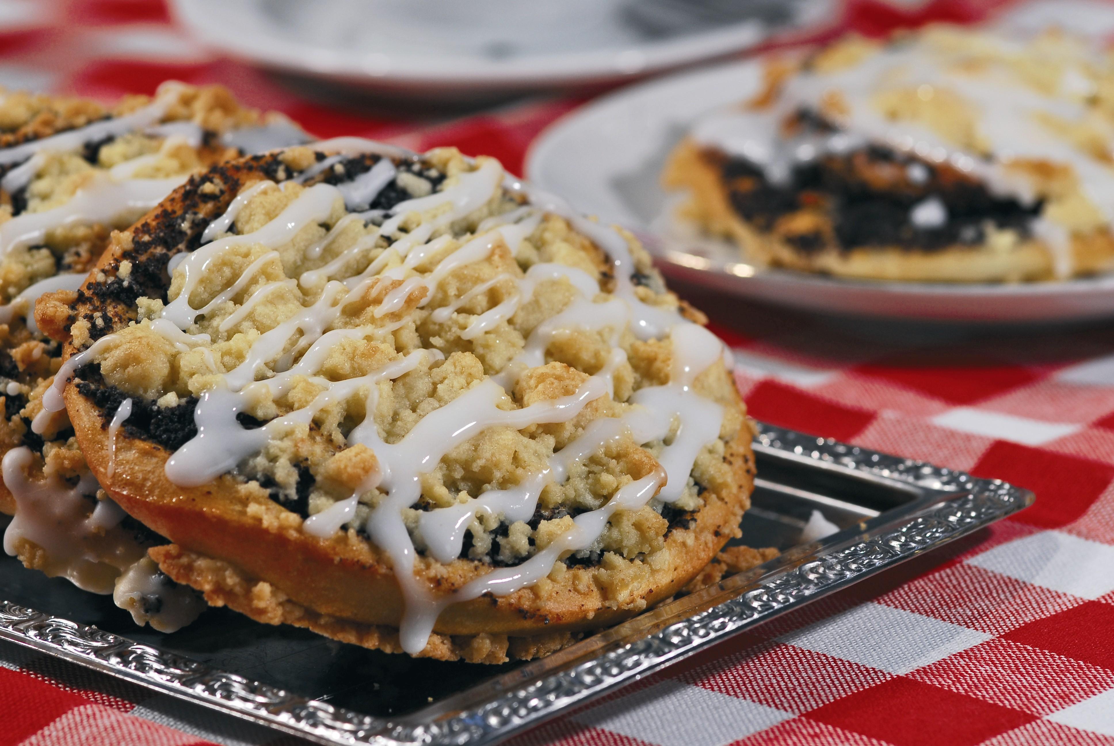 Wer in einem Görlitzer Café oder Restaurant Platz nimmt, sollte sich die regionale Spezialität Mohnkuchen servieren lassen FOTO: R. HENNIG