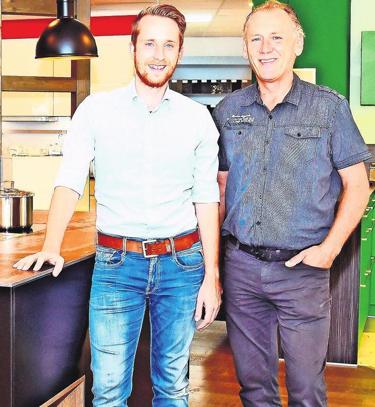 Ob bei einer komplett neuen Küche oder nur beim Austausch einzelner Teile: Patrick Nüßlein (li.), Gert Kümel und das ganze Kümel-Team erfüllen die Wünsche der Kunden.