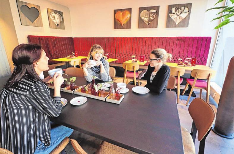 Erlesene Kaffeespezialitäten und hausgemachte Backwaren laden zum Genießen ein. Fotos: Constantin Fetzer