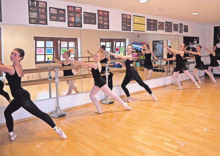 Mit neuem Schwung in die zweite Jahreshälfte: Die Ballettschule Wedemark setzt ihr Kursangebot fort.