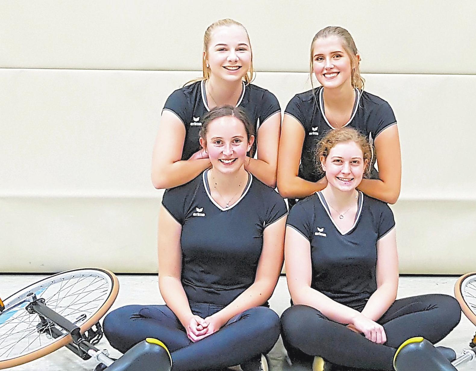 Vierer-Einrad Elite, 2. Mannschaft: Alexandra Sadowski, Johanna Aufderhaar, Janine Wöhler, Evelyne Steinmetz; 2. Platz Deutsche Meisterschaft, 1. Platz Bezirksmeisterschaft