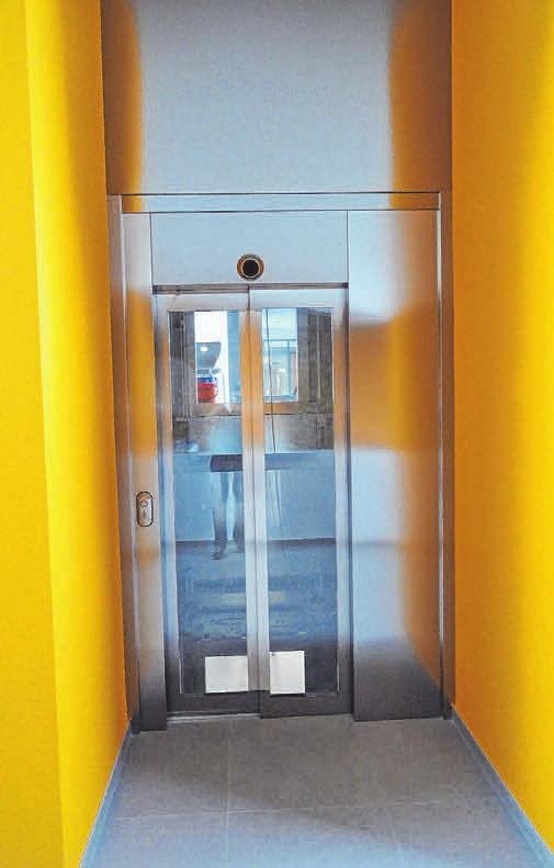 Der zentrale Aufzug sorgt für Barrierefreiheit im Fachraum- und Verwaltungszentrum sowie in allen angeschlossenen Gebäuden.
