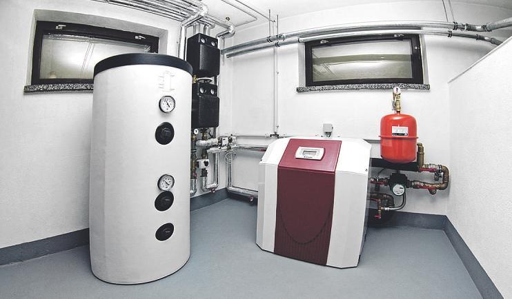Die Pumpen lassen sich oft in bestehende Heizsysteme integrieren Bild: Martin Winzer/stock.adobe.com