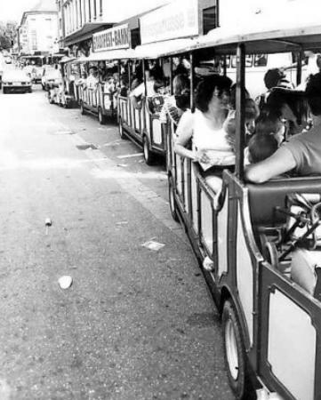 1983 fuhr sogar eine Stadtfestbahn. FOTO: STADTARCHIV/FREI