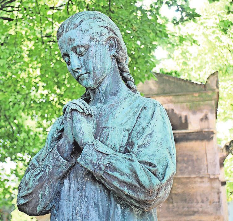 Grabmale erzählen über den Verstorbene, ohne dass ein Wort gesprochen wird. Foto: MissHunter/pixelio.de