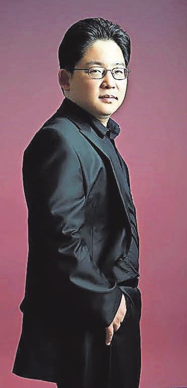 Weltklasse-Pianist Sunghoon Simon Hwang gastiert im Gehrdener Rathaussaal. Foto: Künstler