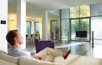 OB LICHT, JALOUSIEN ODER HEIZUNG – mit einer Smart-Home-Lösung lässt sich alles komfortabel steuern. Foto: Busch-Jäger