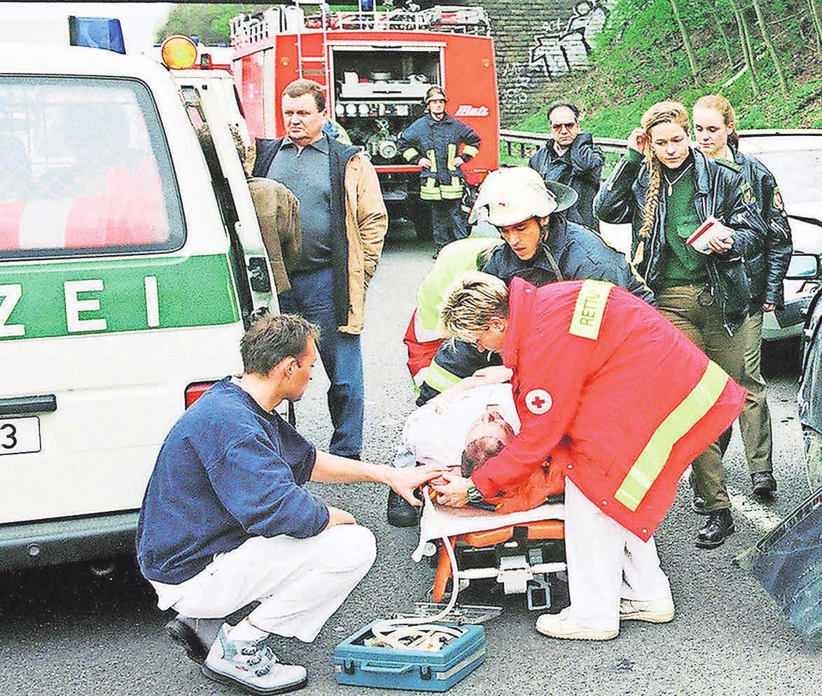 Nicht eingehaltener Sicherheitsabstand kann zu schlimmen Unfällen führen. Foto:AvD/dpp