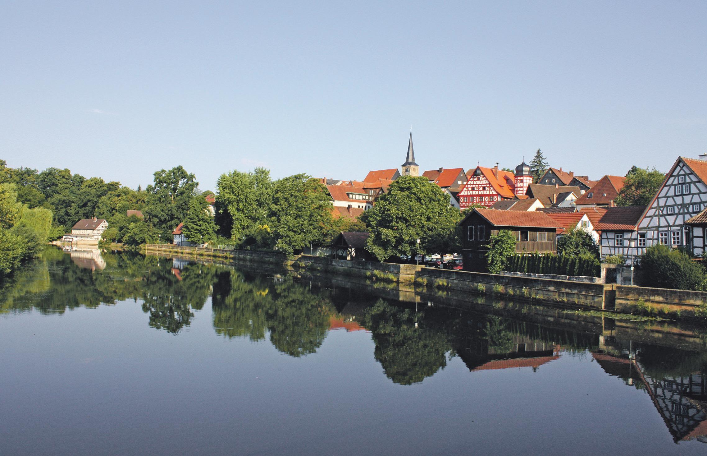 Blick von der Rodach aus auf die Gemeinde. Foto: Markt Marktzeuln