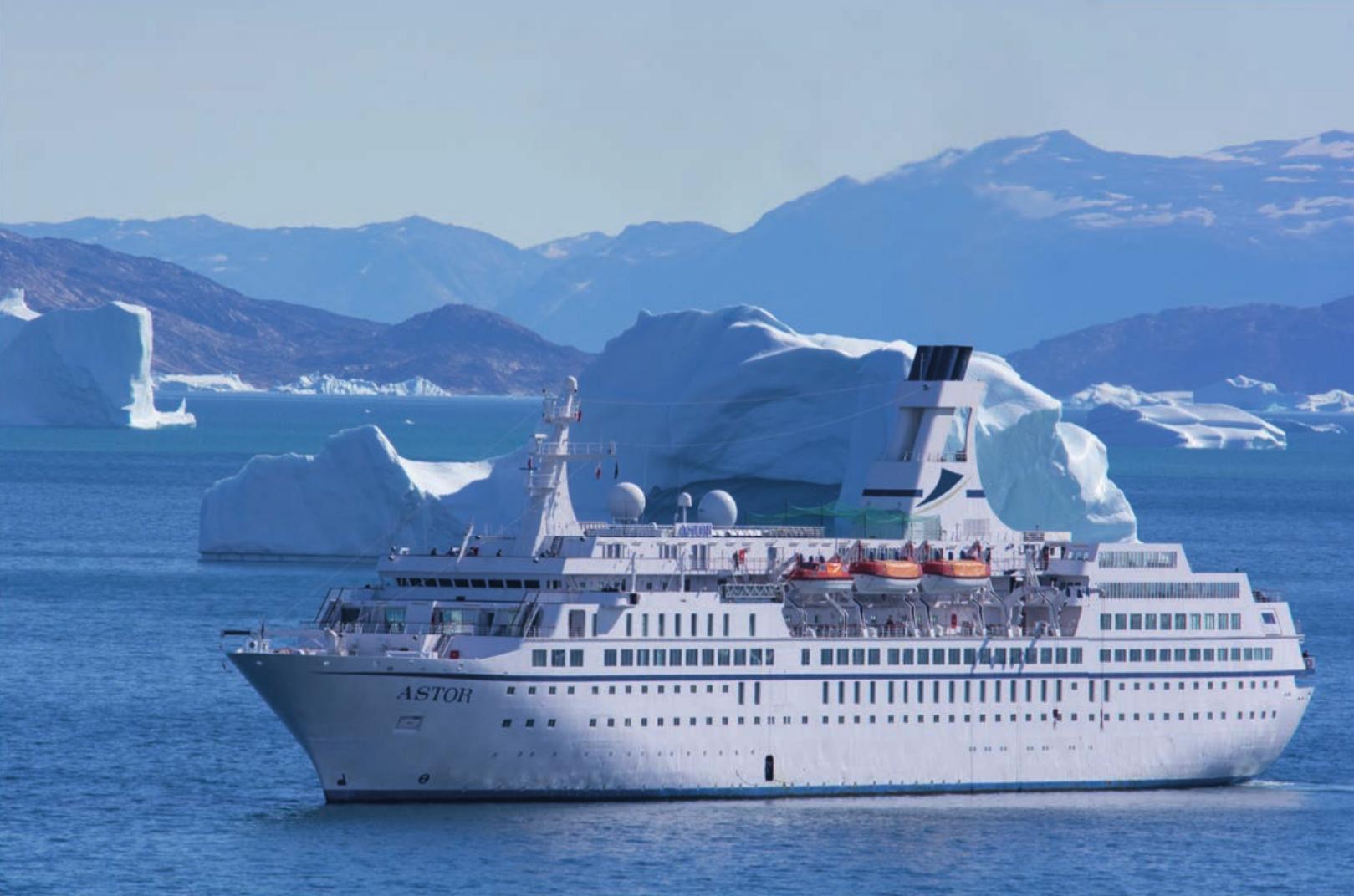 Die Astor bringt ihre Passagiere hoch in den Norden – oder auch in 128 Tagen um die ganze Welt. Fotos: TransOcean