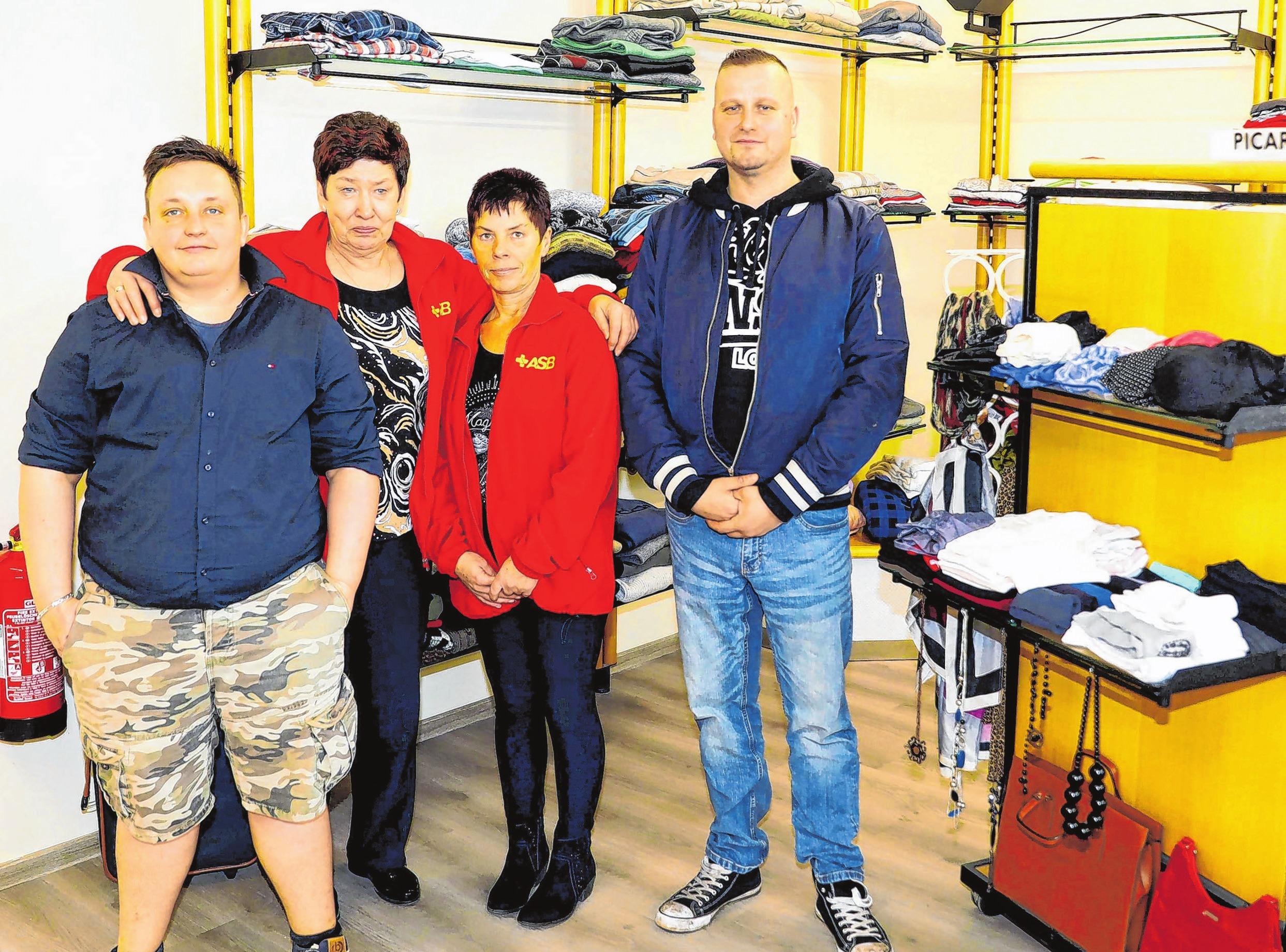 Das kleine Team des ASB-Sozialkaufhauses um Leiterin Doris Kuhn (2.v.l.).