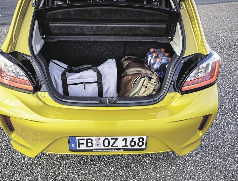 Im Kofferraum des Kleinwagens ist reichlich Platz für Einkäufe oder Reisegepäck. © FOTOS: MITSUBISH