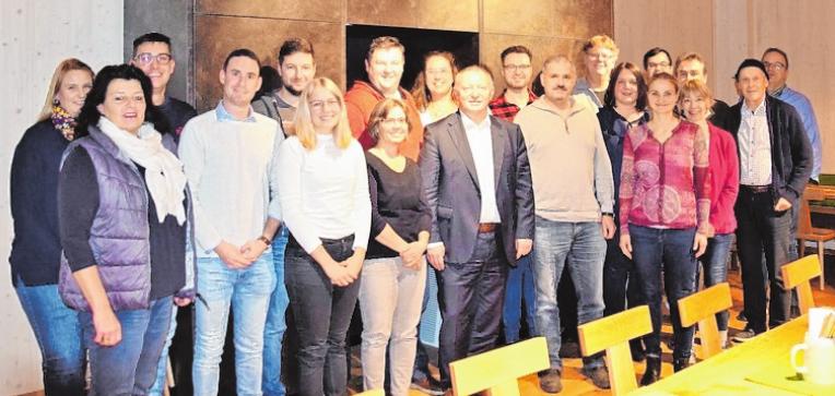 Mitglieder der Wirtschaftsjunioren Bad Kissingen mit Landrat Thomas Bold (vordere Reihe, 5. von links).