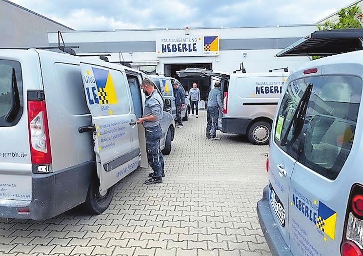 Aufbruch zum Einsatz: Die Heberle-Flotte macht sich auf dem Betriebshof startklar. FOTO: HEBERLE/FREI