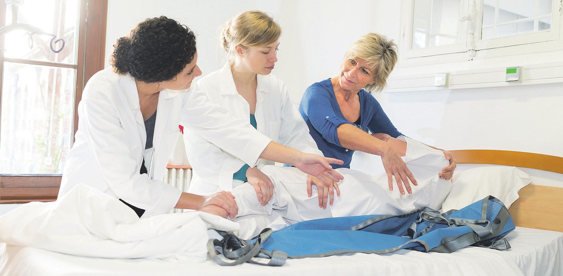 In Deutschland gibt es zu wenige Pflegekräfte – Aufgrund der Corona-Krise könnte es nun bald attraktiver werden, diesen Beruf zu ergreifen