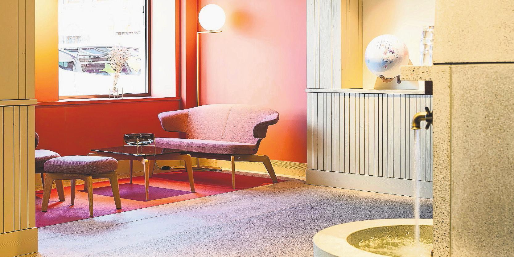 Für Gespräche steht im Gästebereich eine gute Stube zur Verfügung.