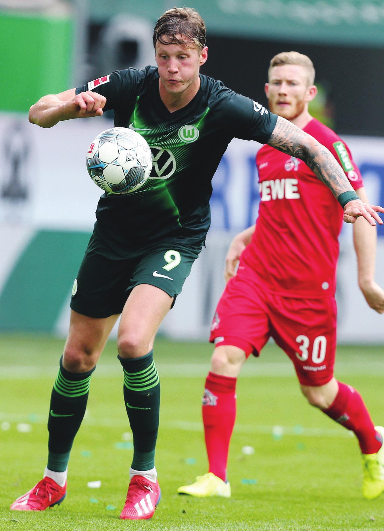 Rückrunden-Start: Der VfL Wolfsburg (links Wout Weghorst) tritt zum ersten Bundesliga-Spiel des neuen Jahres beim 1. FC Köln an.