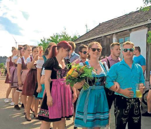 Wenn Weidensees zur Rolltorkirwa ruft, ist das ganze Dorf auf den Beinen und feiert mit. Das macht den ganz besonderen Reiz der Dorfkirwa aus.