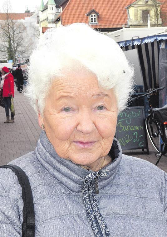 """Margot Rottke (79) aus Winsen (Aller): """"Ich glaube schon, dass in Celle direkt und vielleicht in nächster Nähe die Aufklärungsrate größer ist, aber auf dem Land bestimmt nicht. Hier in der Stadt wird auch mehr Polizei sein, die dann auch schneller da ist. Das geht auf dem Lande nicht so schnell. Vielleicht müsste auf dem Land auch noch mehr Polizeipräsenz vorhanden sein. Ein, zwei Polizisten mehr wäre nicht verkehrt."""""""