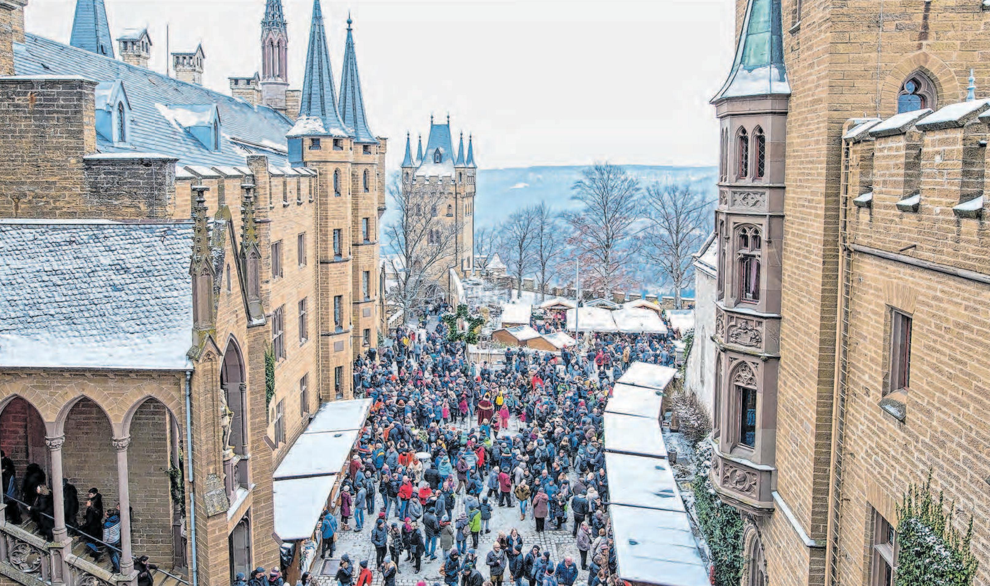 Koniglicher Weihnachtsmarkt Auf Der Burg Hohenzollern Advent