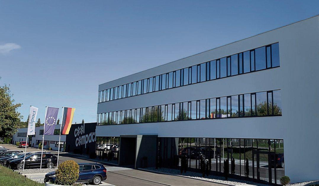 Das neue Vertriebs- und Schulungsgebäude von Cool Compact mit seiner geradlinigen Architektur. Bilder: Cool Compact
