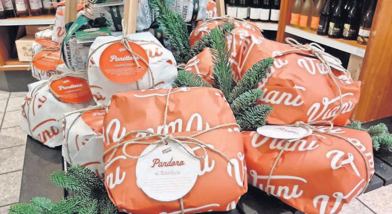 Bei Moss Delikatessen gibt es den italienischen Weihnachtskuchen Panettone in verschiedenen Varianten.
