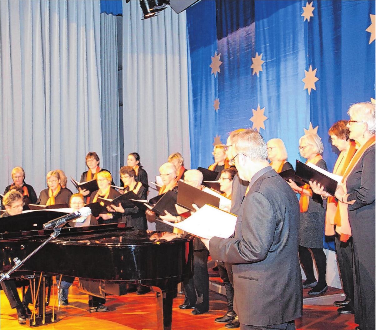 An diesem Sonntag, 16. Dezember, laden die Zollern Voices zum Adventskonzert in die Nikolauskirche. Foto: Jörg Wahl