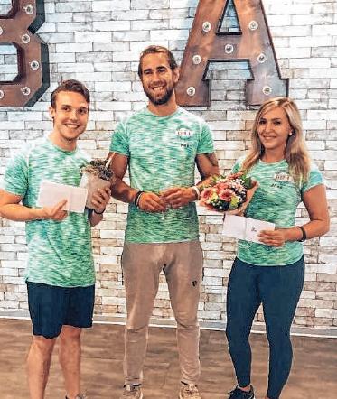Alina Schneider, Clubmanager Max Amann und Benjamin Nukic (von rechts). FOTO:CLUB A
