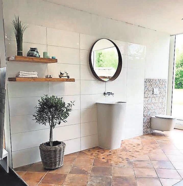 Bei der Badgestaltung können unterschiedliche Fliesen eingesetzt werden.