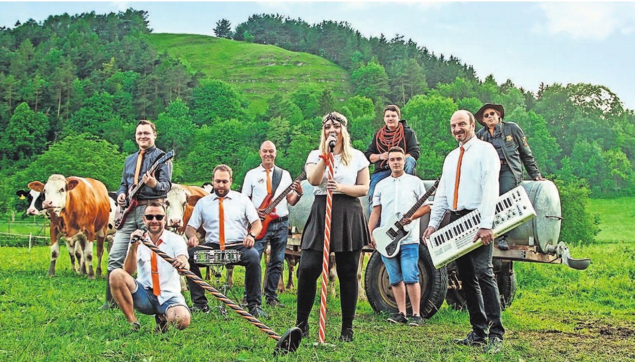 """Die Partyband """"Die Qxen"""" sorgt am Sonntag zum Altstadtfest für Stimmung. Fotos (2): Agentur"""