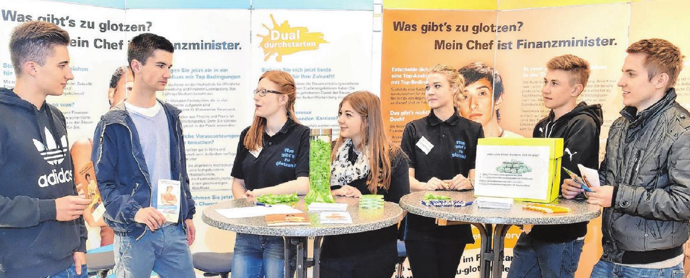 Auch das Finanzamt Ehingen informiert über die vielfältigen Ausbildungsmöglichkeiten.