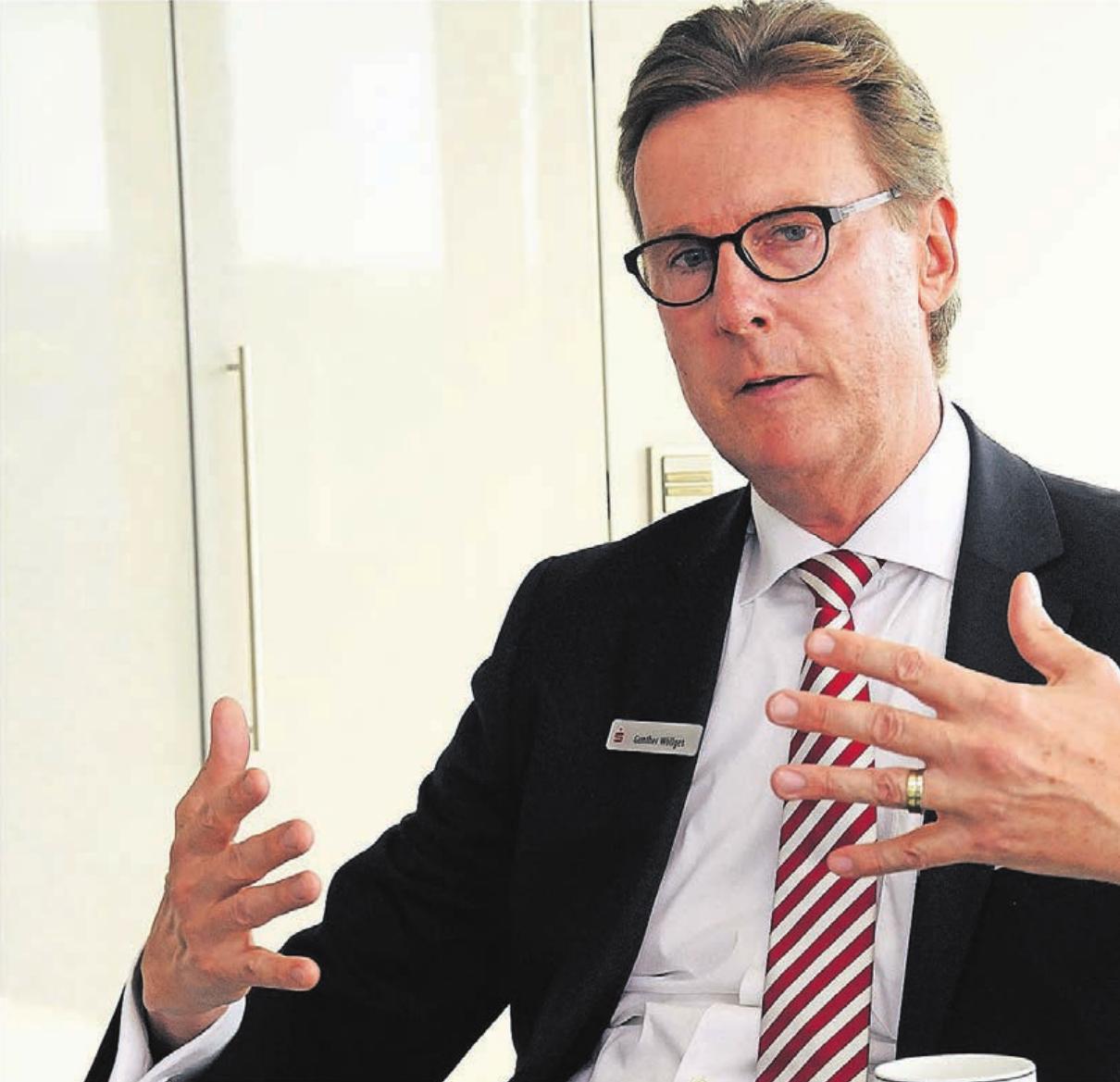 Sparkassen-Vorstand Gunther Wölfges verspricht für von der Corona-Krise betroffene Unternehmer und Selbstständige schnelle Kredit- und Liquiditätshilfen seines Geldinstituts.
