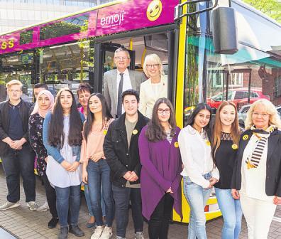 """Im Rahmen des Wettbewerbs """"Schülerinnen gestalten einen Bus"""" wurden zahlreiche kreative und originelle Vorschläge eingereicht – Die KVB wird das beste Konzept umsetzen lassen Image 1"""