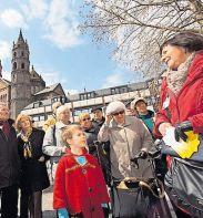 Bei Gästeführungen erfahren Besucher allerlei über die Nibelungenstadt.FOTO: BERTRAM/FREI