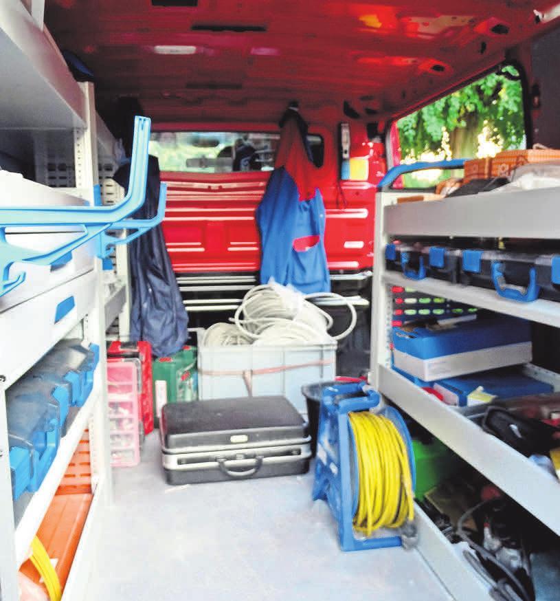 Die Fahrzeuge des Meisterbetriebs sind sehr gut ausgerüstet.