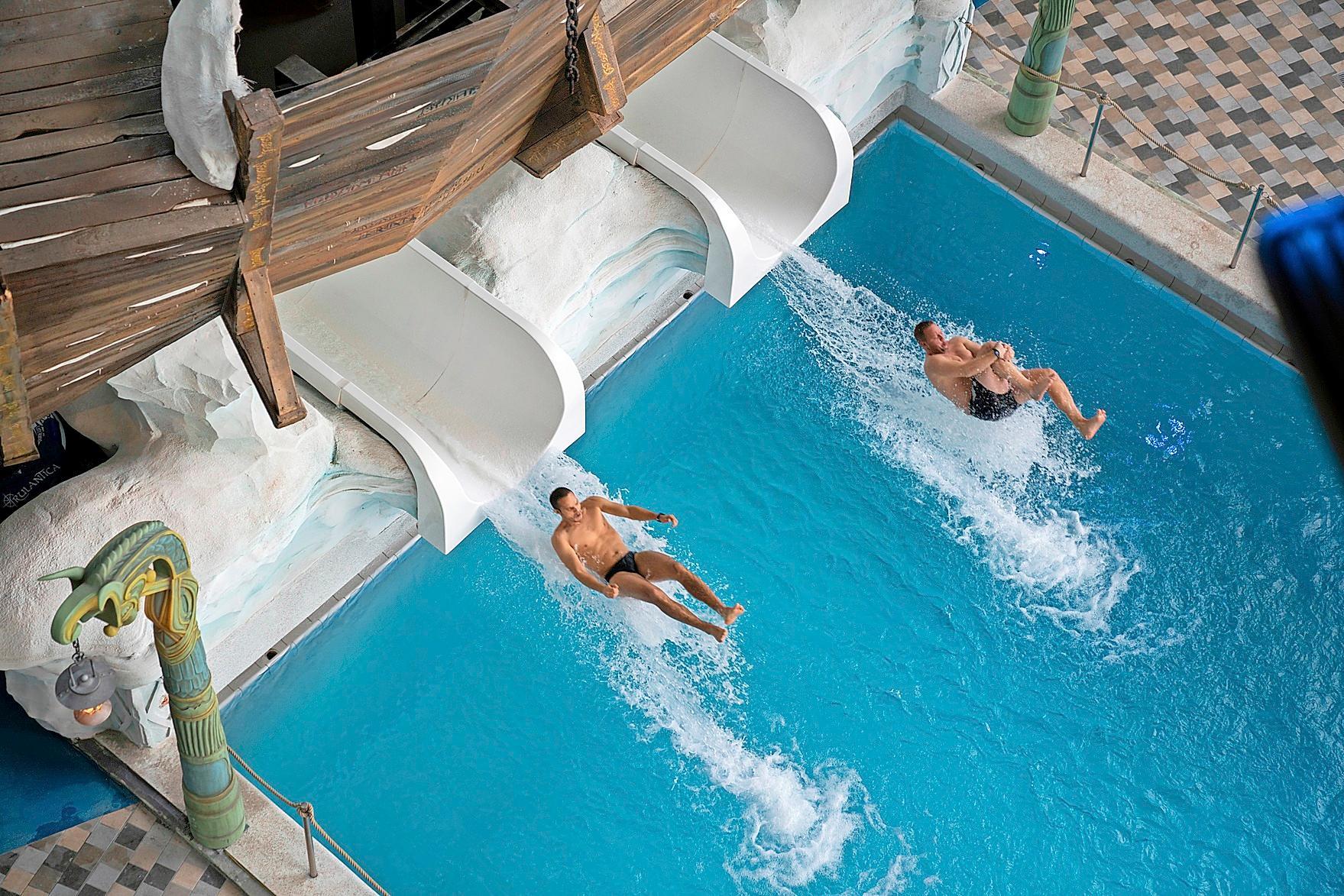 Badespaß im Mythenpool Image 1