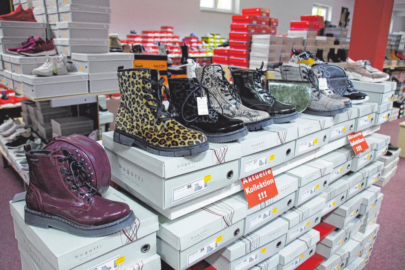 Im Schuhmarkt Hüttlingen ist die Auswahl mit circa 10 000 Paar enorm.
