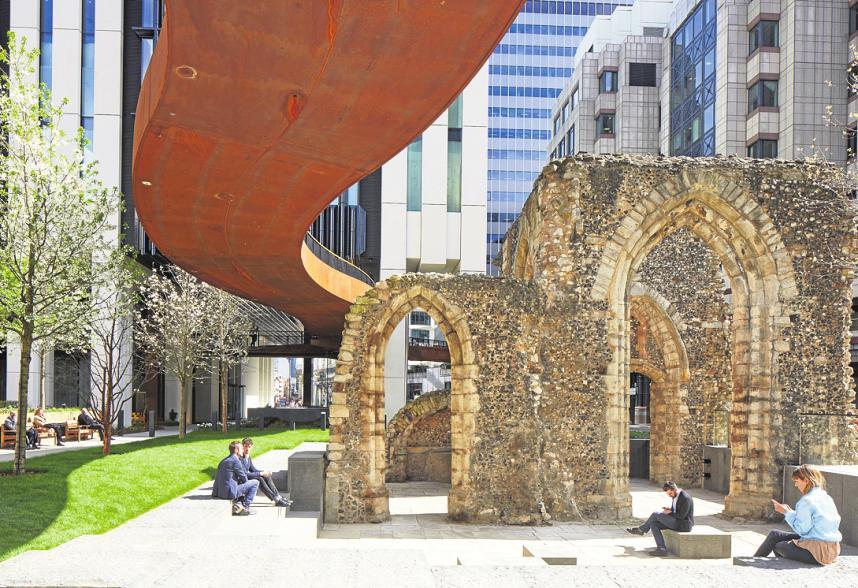 Ein Platz an der Sonne zwischen Vergangenheit und Zukunft: London Wall Place von Make Architects. FOTO: MARTINA FERRERA / MAKE ARCHITECT