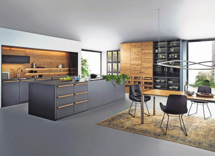 Küche mit Echtholz-Rückwand. Fotos (2): Leicht