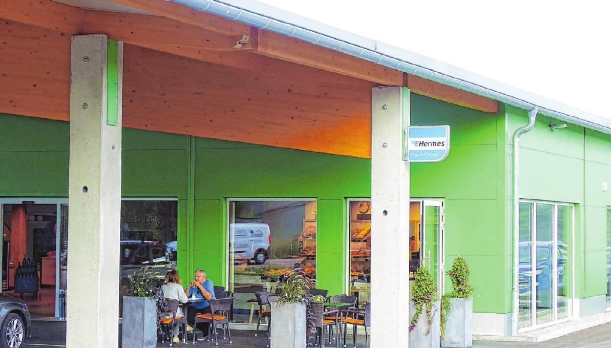 Der Standort an Wallhausens Ortsausgang Richtung Rot am See wird gut angenommen – auch von Kunden, die in aller Ruhe ein Tässchen Kaffee trinken wollen. Foto: Birgit Trinkle